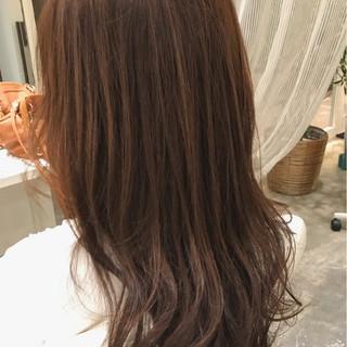 外国人風カラー リラックス ロング グレージュ ヘアスタイルや髪型の写真・画像 ヘアスタイルや髪型の写真・画像