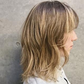 レイヤーカット マッシュ ミディアム 色気 ヘアスタイルや髪型の写真・画像
