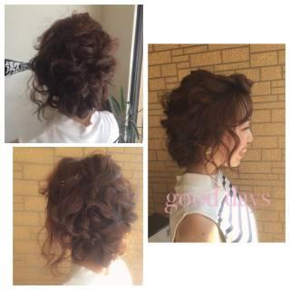 ミディアム ヘアアレンジ フェミニン ナチュラル ヘアスタイルや髪型の写真・画像 ヘアスタイルや髪型の写真・画像