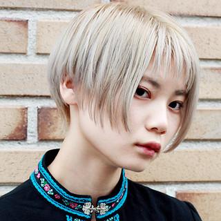 ブリーチオンカラー ハンサムショート ショート ブリーチ ヘアスタイルや髪型の写真・画像