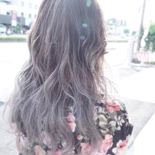 ストリート 外国人風 アッシュ グレージュ ヘアスタイルや髪型の写真・画像