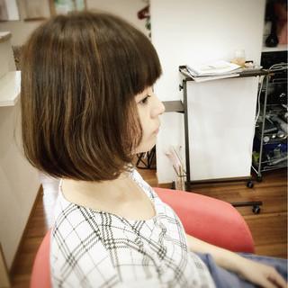 アッシュベージュ ワンカール ナチュラル ボブ ヘアスタイルや髪型の写真・画像