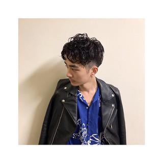 メンズパーマ モード メンズ 刈り上げ ヘアスタイルや髪型の写真・画像
