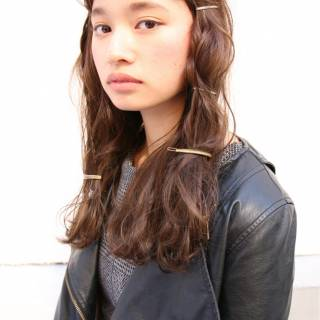 モード ヘアアレンジ ロング オン眉 ヘアスタイルや髪型の写真・画像 ヘアスタイルや髪型の写真・画像