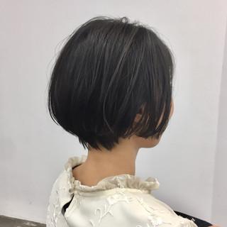 ショート 小顔ショート 大人ショート ナチュラル ヘアスタイルや髪型の写真・画像
