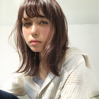 リラックス ニュアンス 外ハネ ミディアム ヘアスタイルや髪型の写真・画像