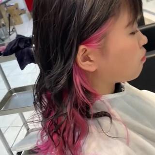 ハイトーン ストリート ピンク インナーカラー ヘアスタイルや髪型の写真・画像