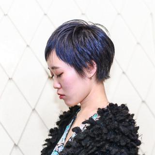 グレー 暗髪 ブリーチ ブルー ヘアスタイルや髪型の写真・画像