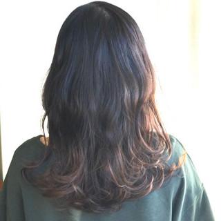ナチュラル ウェーブ デート グラデーションカラー ヘアスタイルや髪型の写真・画像