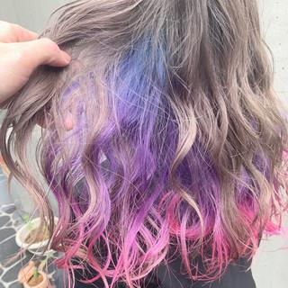 派手髪 インナーカラー 外国人風 ユニコーンカラー ヘアスタイルや髪型の写真・画像