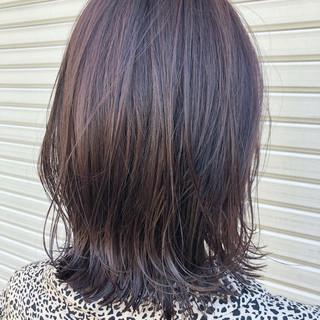 ミディアム ナチュラル ハイライト 極細ハイライト ヘアスタイルや髪型の写真・画像
