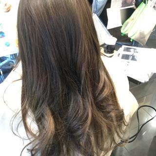 フェミニン セミロング 外国人風 グラデーションカラー ヘアスタイルや髪型の写真・画像