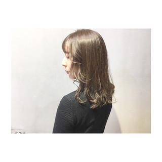 ボルドー パープル カッパー ミディアム ヘアスタイルや髪型の写真・画像