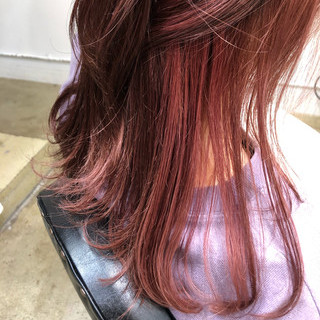 インナーカラー フェミニン セミロング ダブルカラー ヘアスタイルや髪型の写真・画像