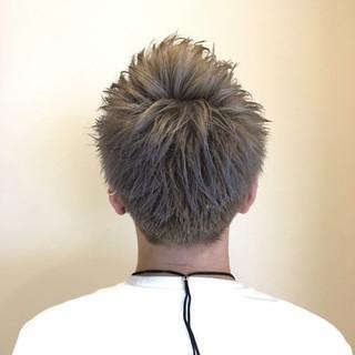 ショート メンズ ボーイッシュ シルバーアッシュ ヘアスタイルや髪型の写真・画像