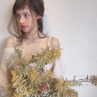 ヘアアレンジ オン眉 ガーリー 結婚式 ヘアスタイルや髪型の写真・画像 ヘアスタイルや髪型の写真・画像