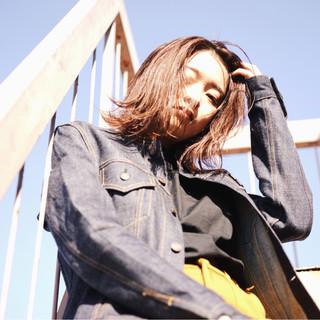 色気 ミディアム ニュアンス ダブルカラー ヘアスタイルや髪型の写真・画像 ヘアスタイルや髪型の写真・画像