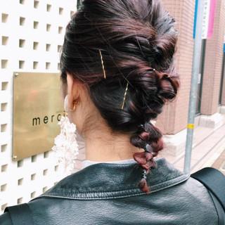 簡単ヘアアレンジ ミディアム モード デート ヘアスタイルや髪型の写真・画像