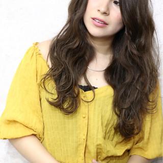 ロング グレージュ 夏 ヘアアレンジ ヘアスタイルや髪型の写真・画像