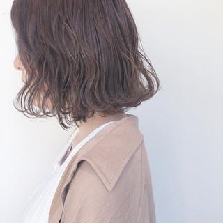 ミルクティーアッシュ パーマ ボブ ミルクティーベージュ ヘアスタイルや髪型の写真・画像