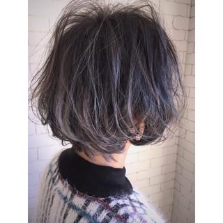 ボブ 抜け感 ラフ バレイヤージュ ヘアスタイルや髪型の写真・画像