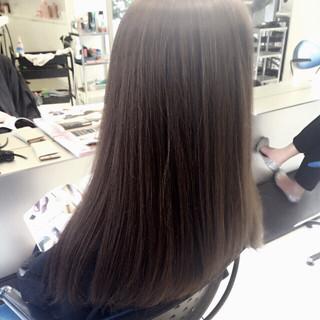 外国人風 ハイライト ナチュラル ストレート ヘアスタイルや髪型の写真・画像 ヘアスタイルや髪型の写真・画像