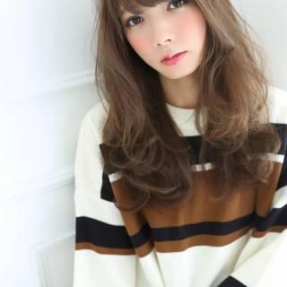 イルミナカラー フェミニン 大人かわいい アッシュベージュ ヘアスタイルや髪型の写真・画像