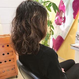 ロング ゆるふわ ウェーブ デート ヘアスタイルや髪型の写真・画像