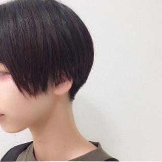 ナチュラル 暗髪 ショート 刈り上げ ヘアスタイルや髪型の写真・画像