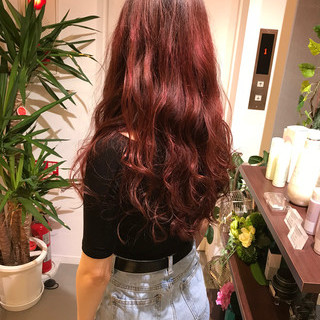 ロング ガーリー バレイヤージュ ベリーピンク ヘアスタイルや髪型の写真・画像