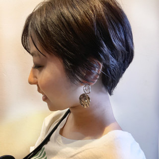 黒髪 ショートパーマ ショート ナチュラル ヘアスタイルや髪型の写真・画像