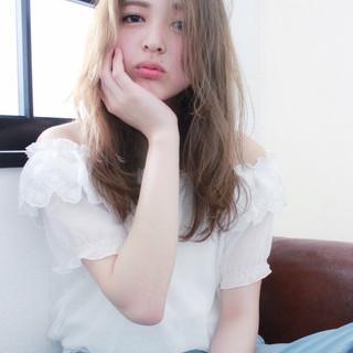 ロング 外国人風 ハイライト ピュア ヘアスタイルや髪型の写真・画像