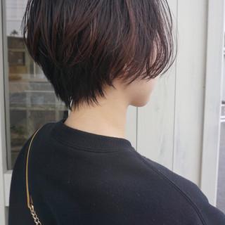 小顔ショート ナチュラル ショート ゆる巻き ヘアスタイルや髪型の写真・画像
