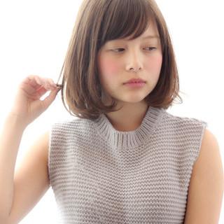 ナチュラル デート 小顔 大人女子 ヘアスタイルや髪型の写真・画像