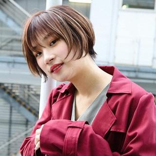 モード PEEK-A-BOO ショート 大人ヘアスタイル ヘアスタイルや髪型の写真・画像 ヘアスタイルや髪型の写真・画像
