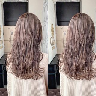 ヘアカラー イルミナカラー セミロング ミルクティーベージュ ヘアスタイルや髪型の写真・画像