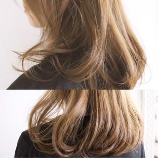 フェミニン アッシュ 透明感 外国人風カラー ヘアスタイルや髪型の写真・画像