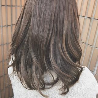 パーマ アッシュ ハイライト 外国人風 ヘアスタイルや髪型の写真・画像