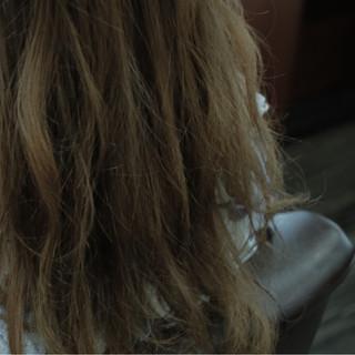 グレージュ 暗髪 セミロング ストリート ヘアスタイルや髪型の写真・画像