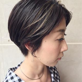 黒髪 ショート ハイライト 抜け感 ヘアスタイルや髪型の写真・画像