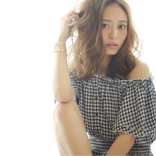 大人かわいい ミディアム ガーリー 外国人風 ヘアスタイルや髪型の写真・画像