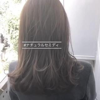 前髪 グレージュ セミロング アッシュグレージュ ヘアスタイルや髪型の写真・画像
