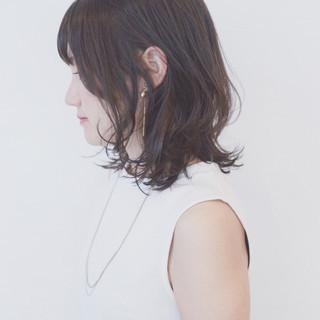 パーマ ミディアム ガーリー グラデーションカラー ヘアスタイルや髪型の写真・画像