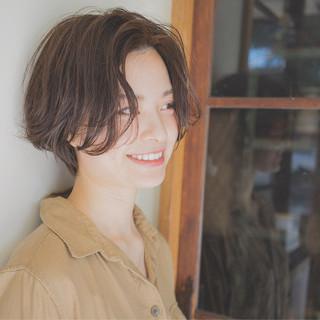 ショート 抜け感 ナチュラル 外国人風 ヘアスタイルや髪型の写真・画像 ヘアスタイルや髪型の写真・画像