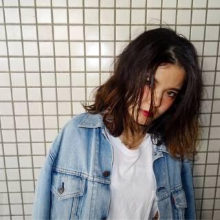 パンク ミディアム ストリート ウェットヘア ヘアスタイルや髪型の写真・画像