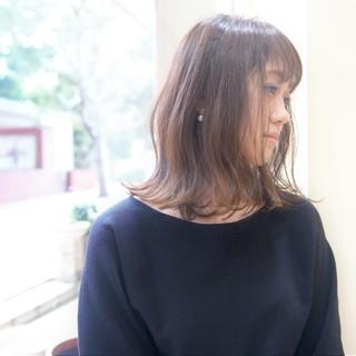 ロブ 外ハネ 大人女子 ミディアム ヘアスタイルや髪型の写真・画像