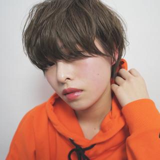 フリンジバング ショート パーマ 小顔 ヘアスタイルや髪型の写真・画像 ヘアスタイルや髪型の写真・画像