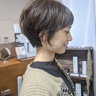 ショートボブ 小顔ショート マッシュショート ナチュラル ヘアスタイルや髪型の写真・画像