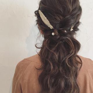 ハイライト ハーフアップ セミロング 編み込み ヘアスタイルや髪型の写真・画像