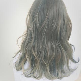ストリート ブルージュ セミロング ブルー ヘアスタイルや髪型の写真・画像
